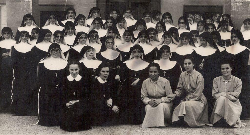 Madre Teresa Benelli postulante e suore Ancelle di Maria risultato